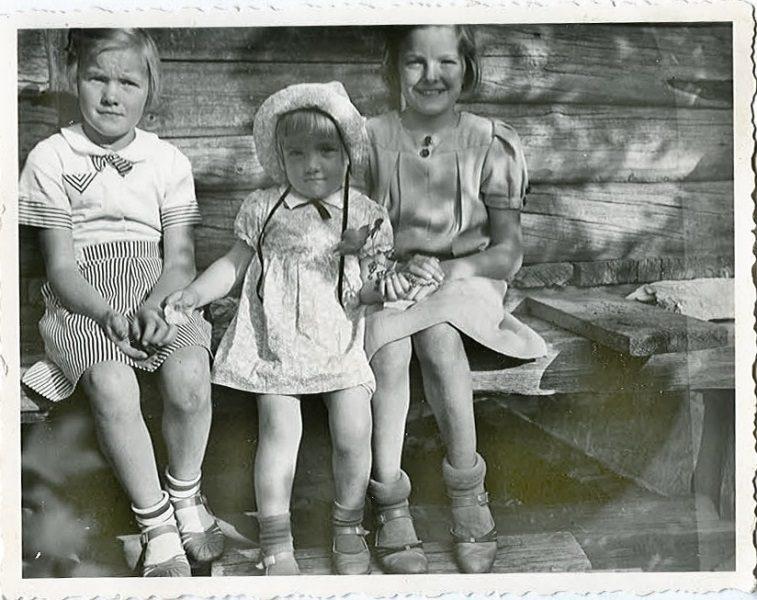 266 Berit, Siv och Alice i Mångbro