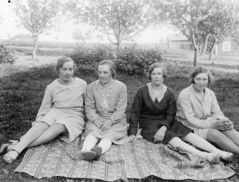 1929 Maria, Karin, Ida och Anna