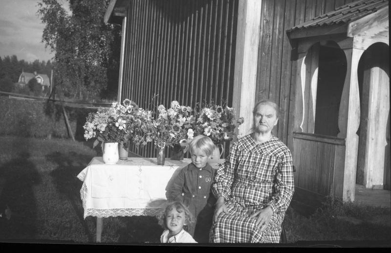 Mormor och barnbarn?