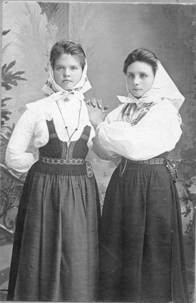 Okänd kvinna och Böl Anna