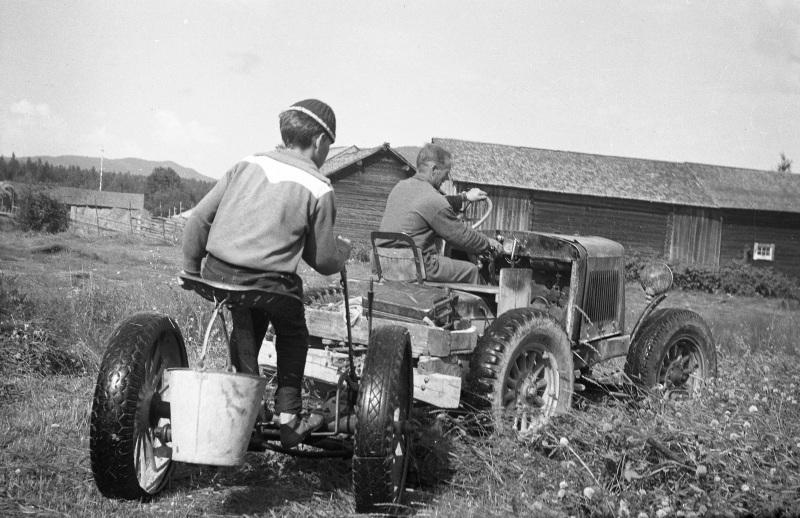 Arbete med traktor