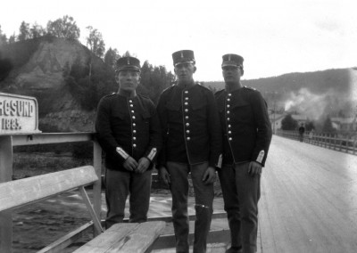 Tre militärer