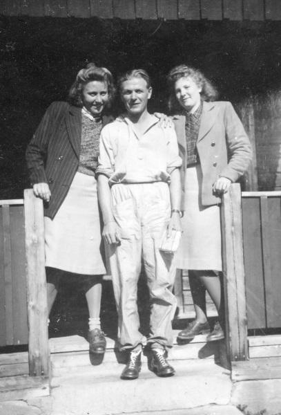 I Mångberg 1942