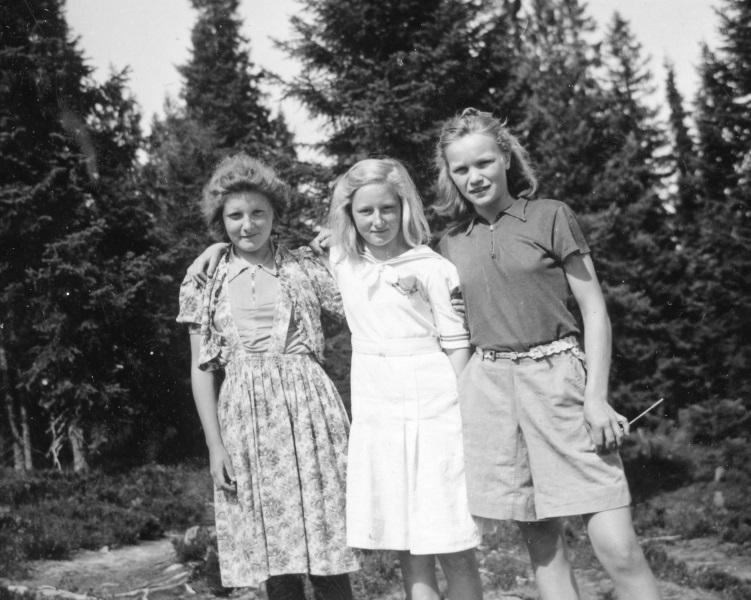 Tre flickor