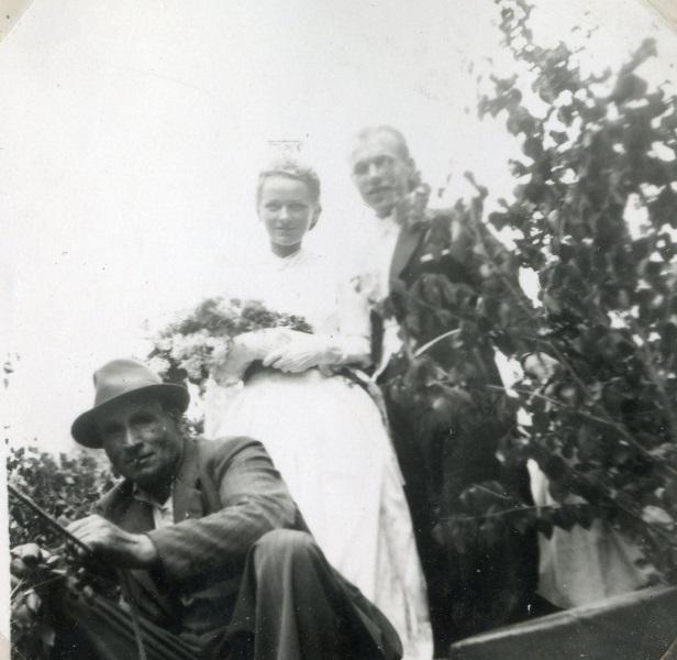 Kisti och Åke gifter sig 1941
