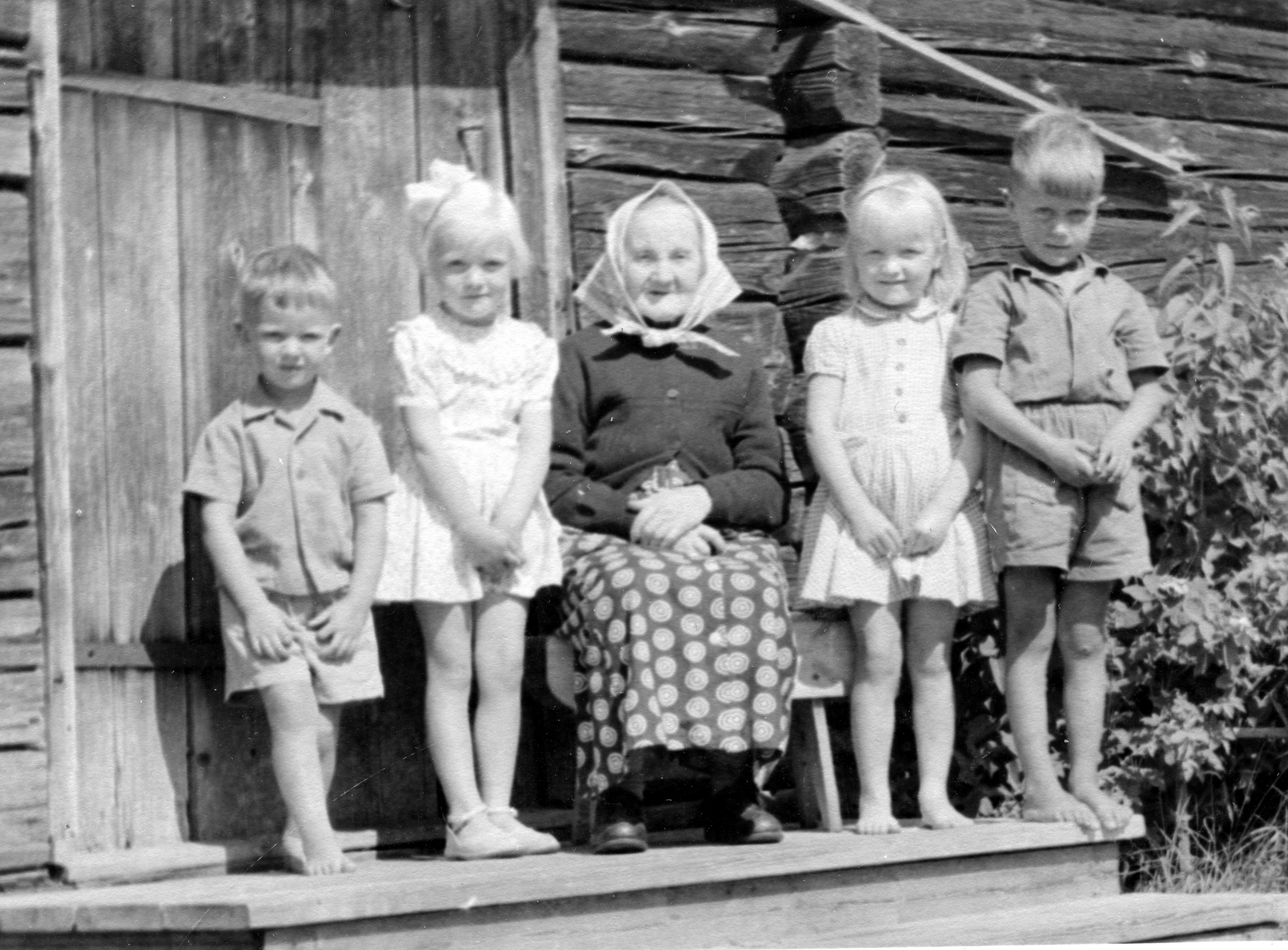 Dunder Anna med fyra barn
