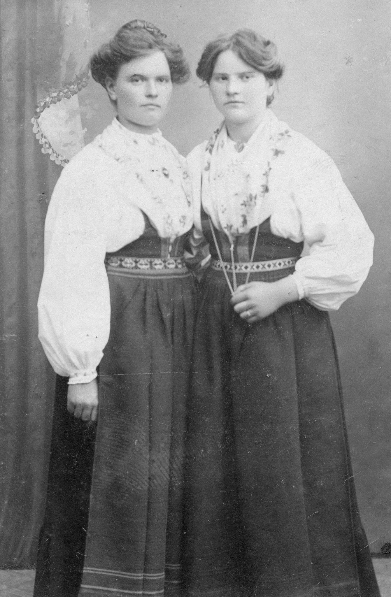 Margit och Lina